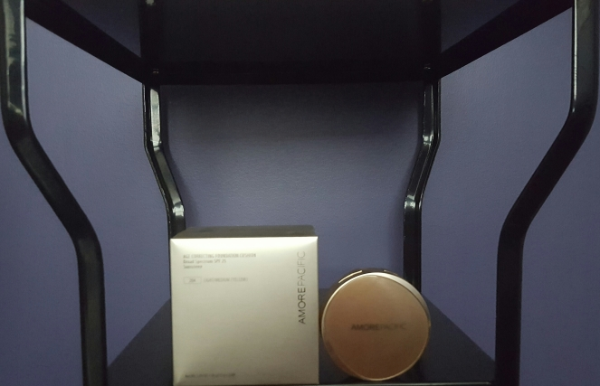 AmorePacific: AmorePacific: AGE CORRECTING FOUNDATION CUSHION Broad Spectrum SPF 25